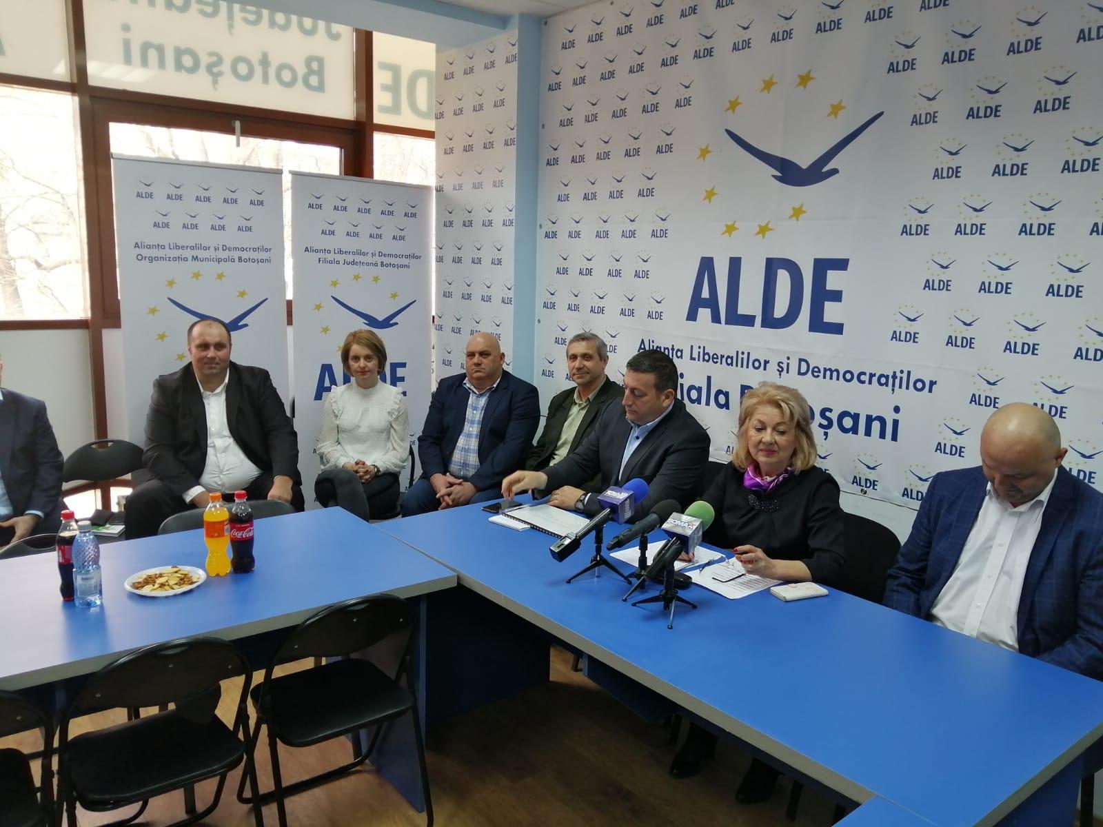 Încă nouă candidați pentru primării au fost astăzi prezentați la sediul ALDE Botoșani