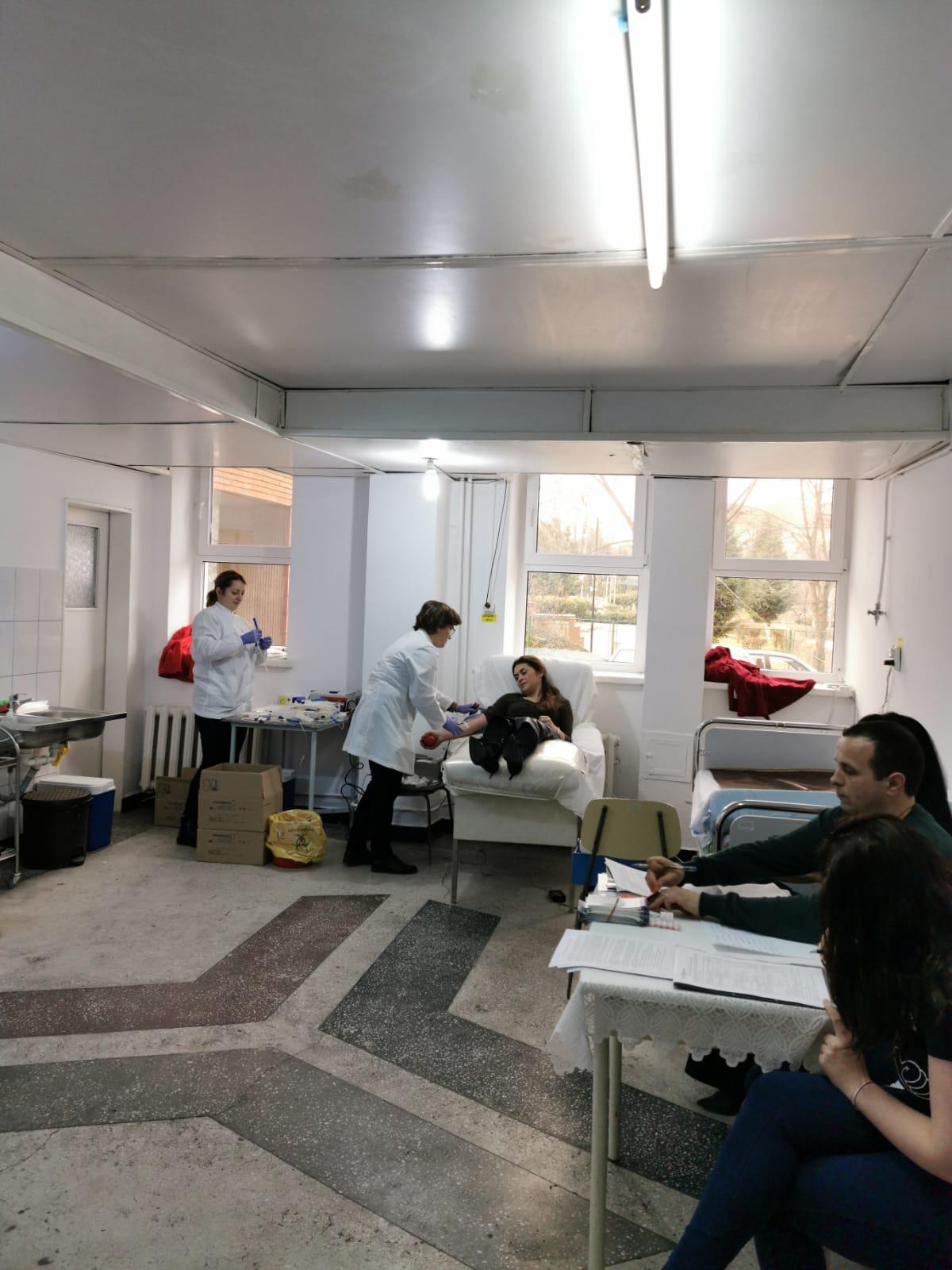 Zeci de angajați ai DGASPC Botoșani au fost astăzi și au donat sânge