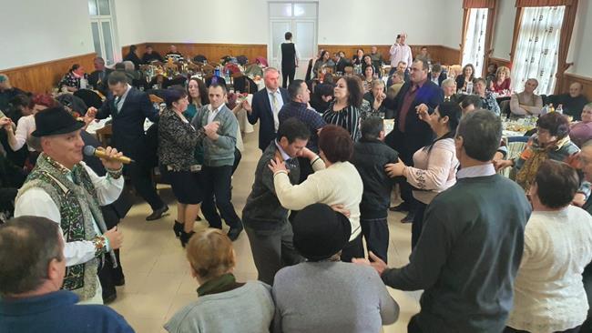 FOTO/VIDEO    RĂDĂUȚI PRUT:  Distracție, dans și voie bună la Sărbătoarea Mărțișorului