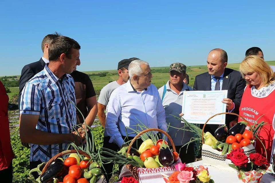 """Lucian Trufin: """"Programul tomate în variantă liberală îi va lăsa pe legumicultorii botoșăneni fără cei 3000 de euro"""""""
