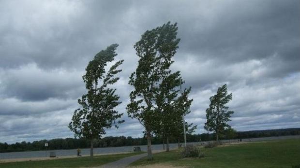 Atenționare meteo!  Intensificări temporare ale vântului cu viteze de 80 – 95 de km/h, trecator 90 – 100km/h