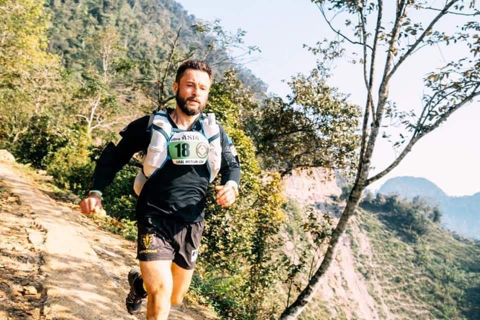 """Iulian Rotariu, a câștigat si etapa de astăzi la  ultramatatonul """"Ultra Asia Race"""" Vietnam!"""