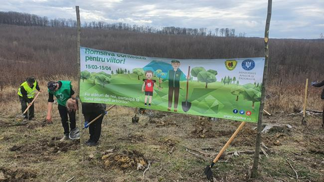 """FOTO/VIDEO   Direcția Silvică Botoșani dat startul acțiunilor de împăduriri, sub egida """"LUNA PLANTĂRII ARBORILOR"""""""