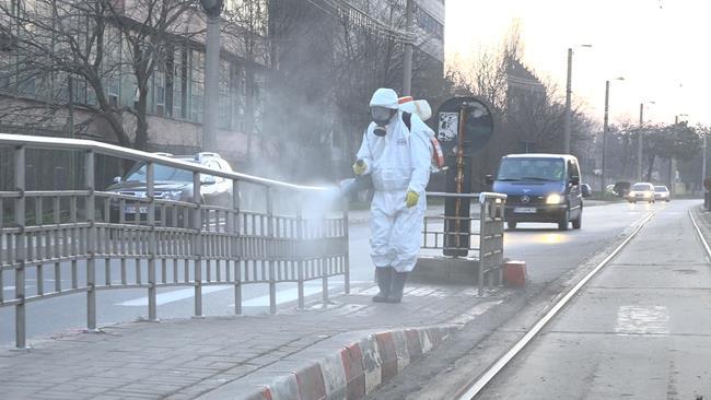 VIDEO/FOTO  COVID-19: URBAN SERV a trecut la dezinfecția stațiilor de transport în comun