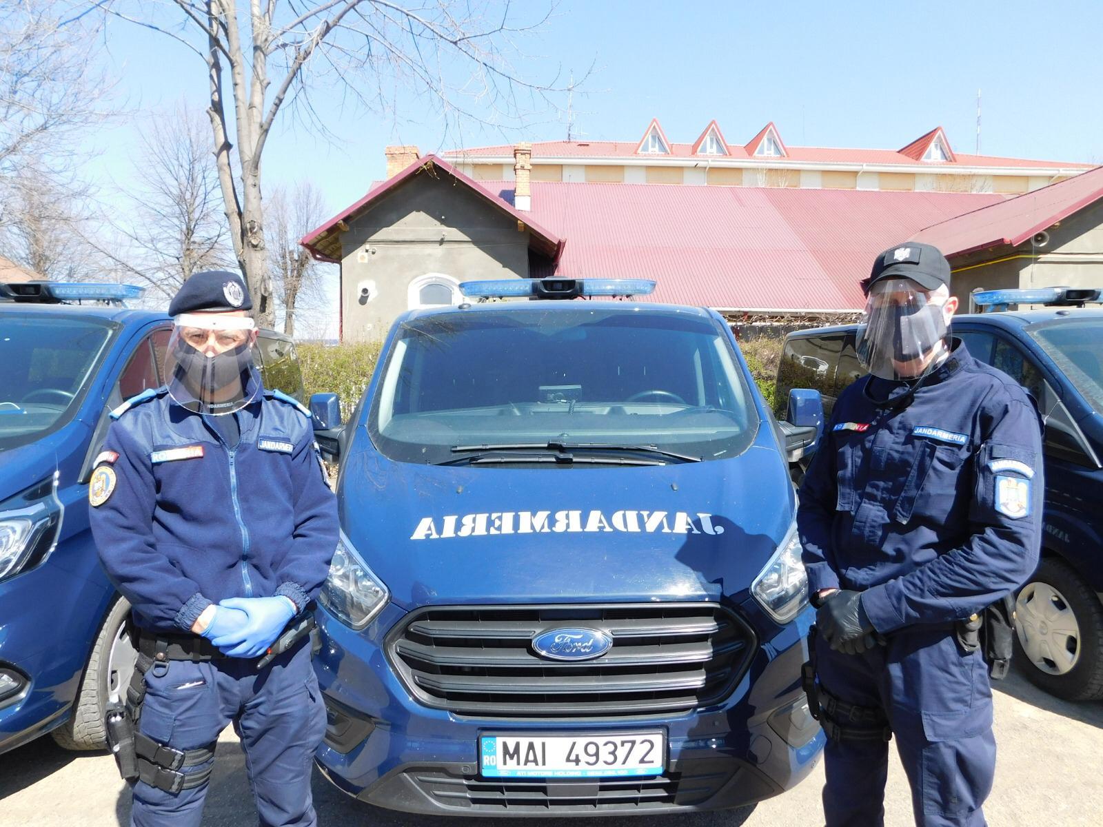 COVID-19: Echipament de protecție donat jandarmilor botoșăneni