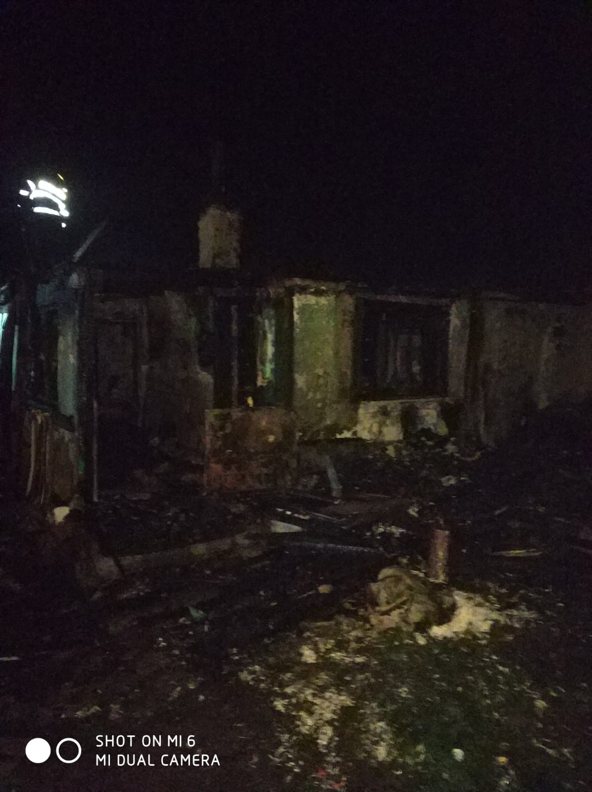 Dealu Mare:  Gospodărie distrusă de flăcări