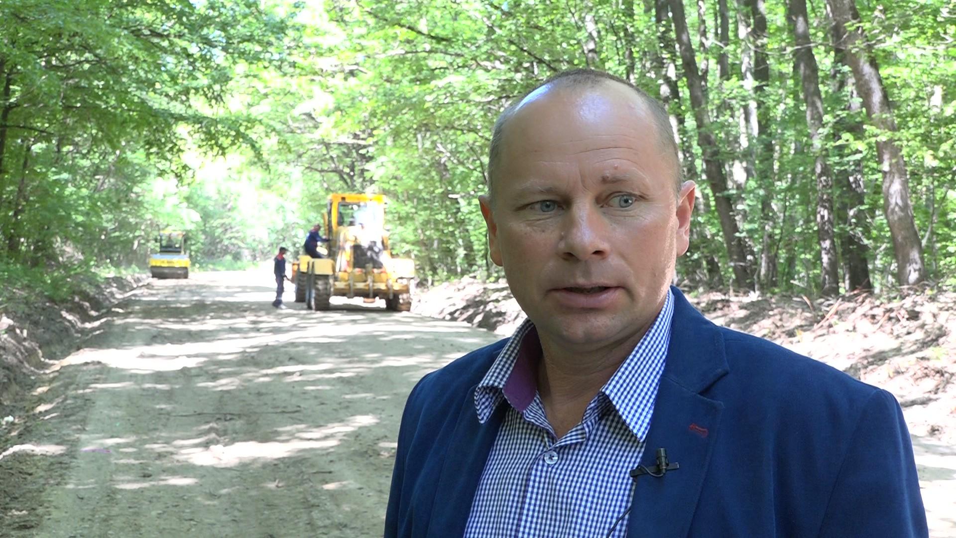 FOTO/VIDEO  SENDRICENI: Peste 7 kilometri de drum modernizat în satul Pădureni