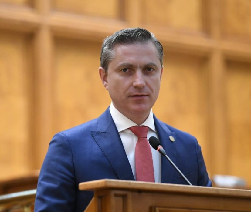 """Costel Lupașcu: """"ORBan și cei 17 miniștri hoți trebuie să plece!''"""