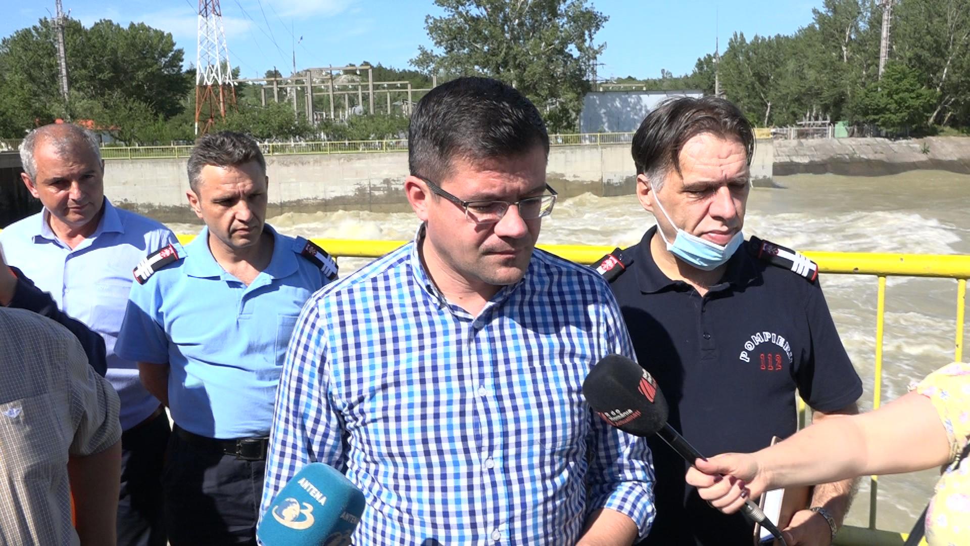 VIDEO/ FOTO   Vizită ministerială la barajul de la Stanca-Costești și în localitatea Rădăuți Prut