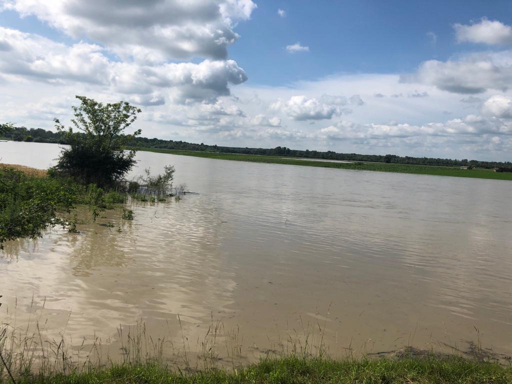Comisii pentru constatarea și evaluarea pagubelor produse de inundații. Se va solicita sprijin financiar de la guvern pentru localitățile afectate