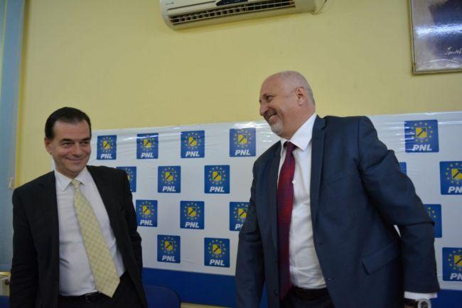 Orban a transformat Guvernul în cârciumă de partid, iar PNL Botoșani a transformat instituțiile din Botoșani în anexe de FAMILIE