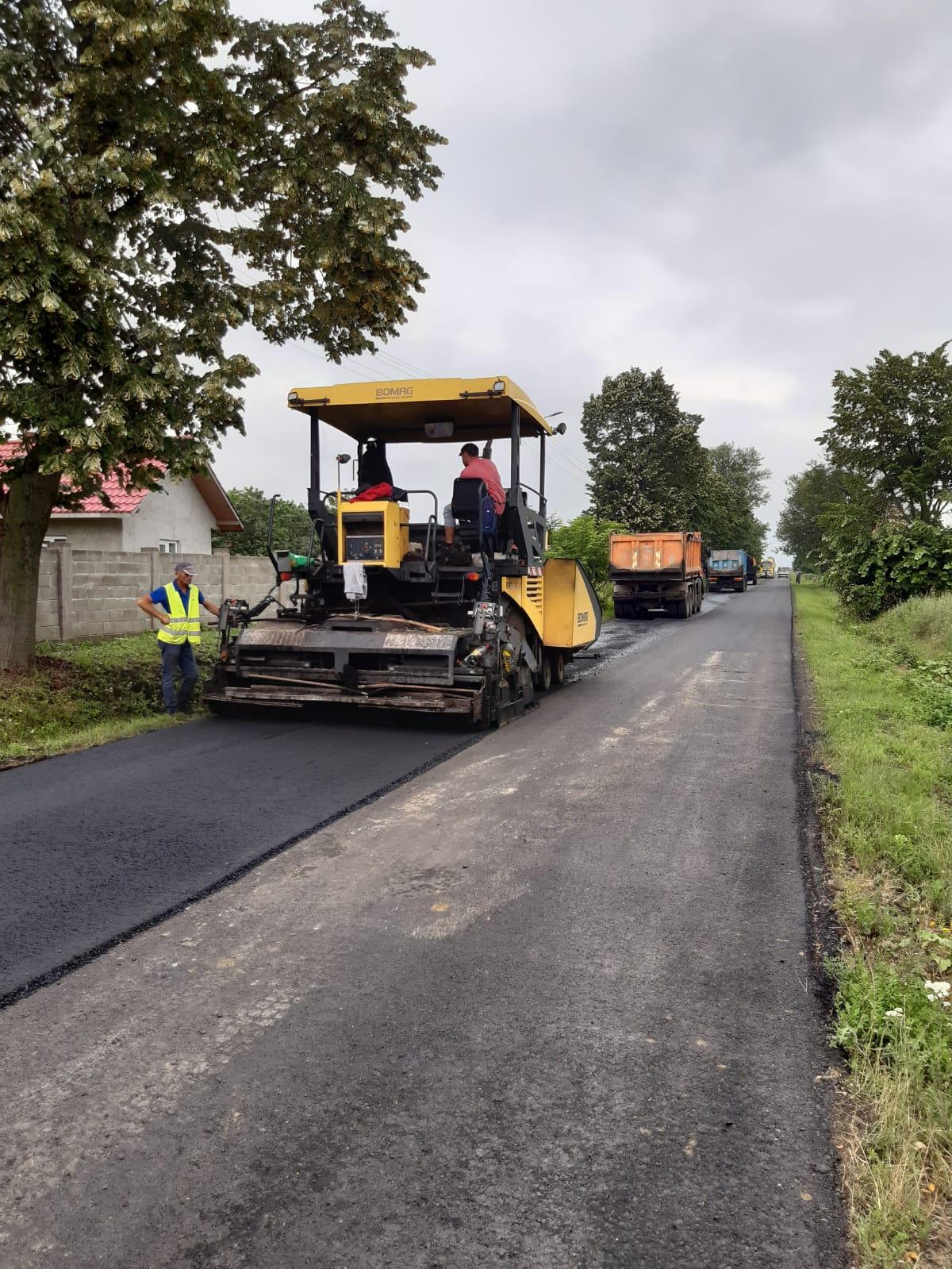 Au fost finalizate lucrările de asfaltare pe DJ 282 Drăgușeni – Coțușca – Rădăuți Prut