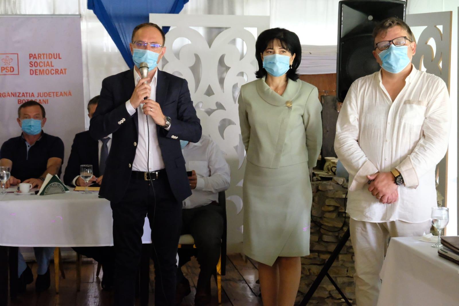 FOTO/  Președintele PSD Botoșani Doina Federovici a primit votul de încredere al colegilor pentru candidatura la șefia Consiliului Județean