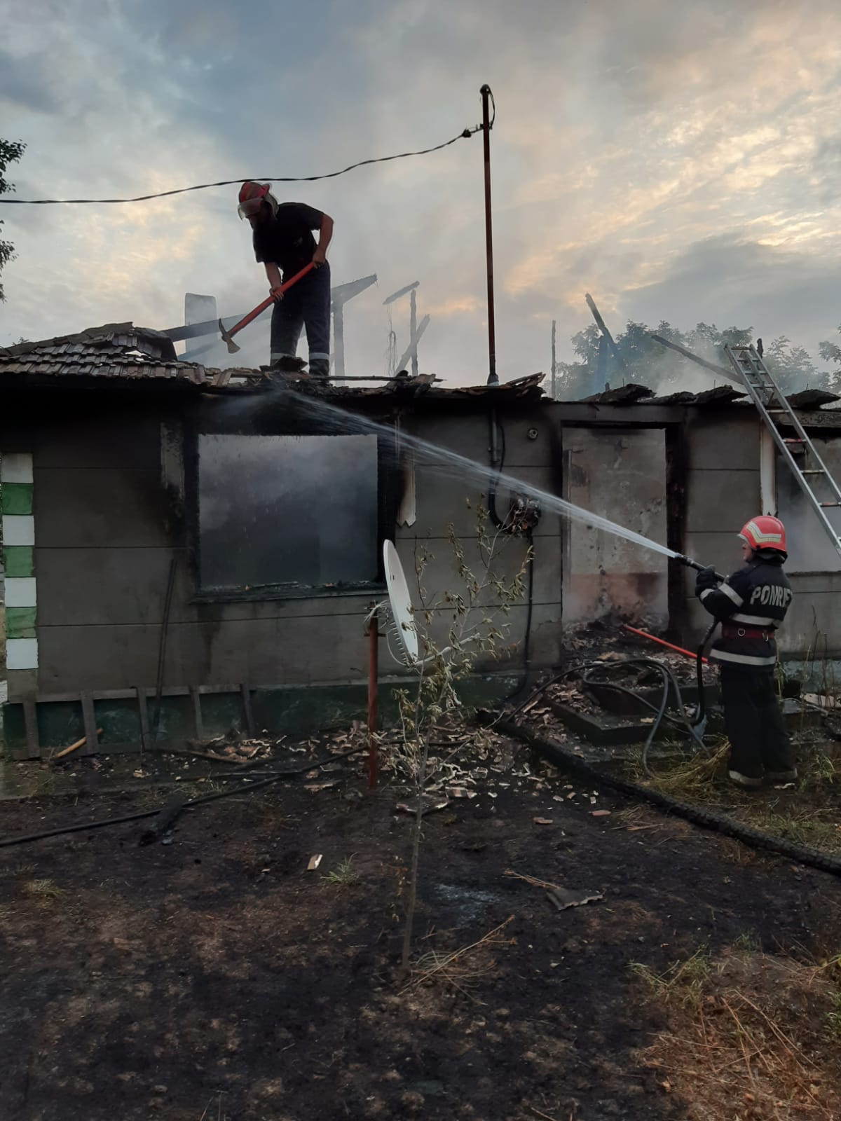 BOBULEȘTI: Femeie de 73 de ani decedată într-un incendiu