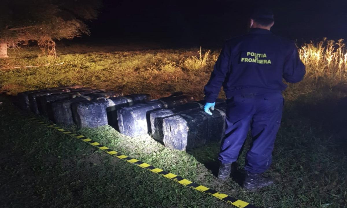 Ţigări de contrabandă de peste 252.000 lei,  reţinute cu focuri de armă la frontiera de est