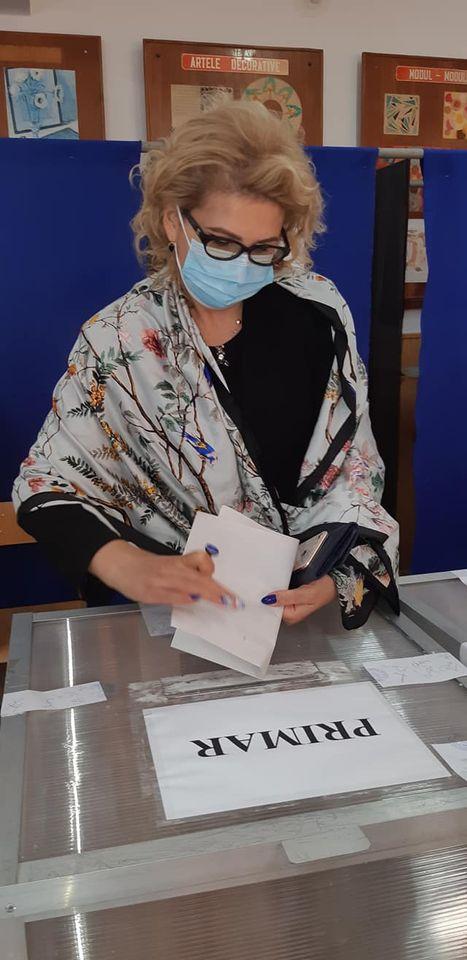 """Roxana Florentina Țurcanu, candidatul ALDE pentru Primaria Municipiului Botosani: """"""""Am votat cu speranța că Botoșaniul va avea un traseu diferit de cel parcurs în ultimii ani"""""""