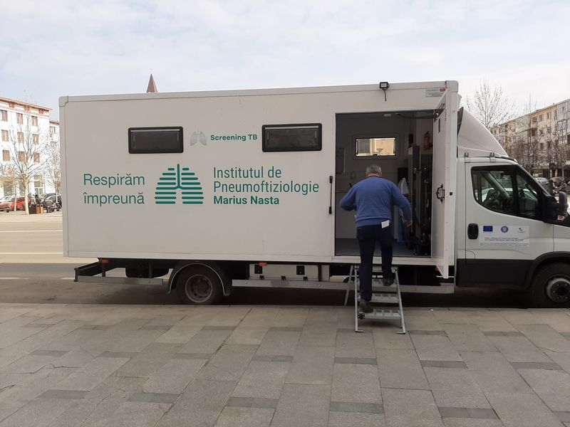 Caravana de depistare activă a tuberculozei pornește astăzi în județul Botoșani