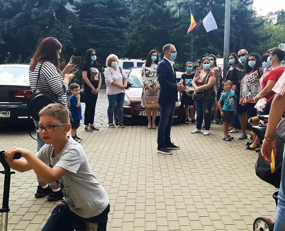 """(P)   Cosmin Andrei: """"Solicit primarului să asigure testarea gratuită și prioritară pentru elevii și cadrele didactice din Botoșani"""""""