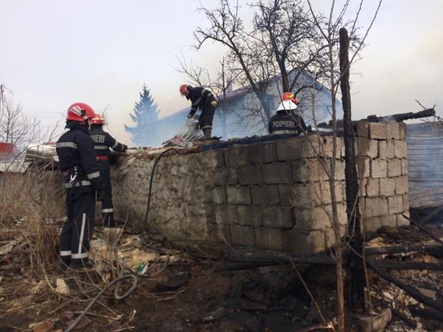 Pompierii botoșăneni au participat în ultima săptămâna la peste 120 de misiuni pentru protecţia a vieţii, mediului şi valorilor materiale