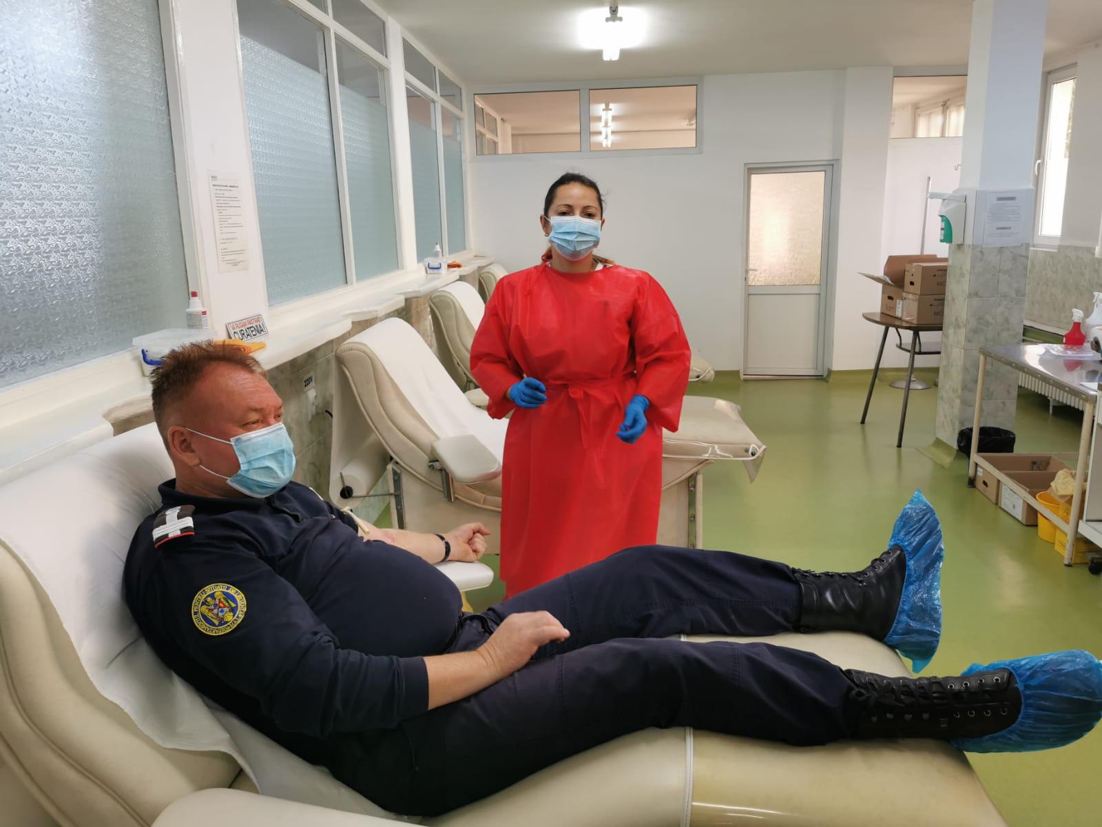 Pompierii botoșăneni continuă lupta cu COVID 19 și după vindecare