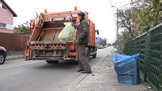 ANUNȚ: URBAN SERV a demarat acțiunea de distribuire a sacilor pentru colectarea selectivă