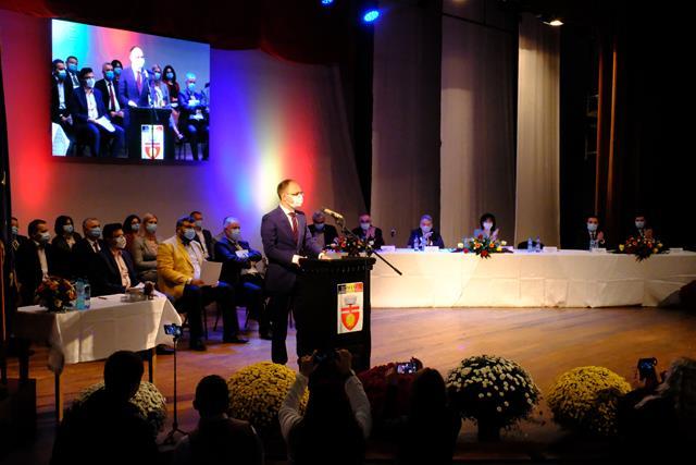 FOTO/  Primarul municipiului Botoșani, Cosmin Andrei și Consilierii Locali au depus astăzi jurământul