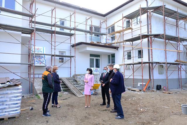 Vizită de lucru la unul dintre obiectivele aflate în reabilitare cu fonduri de la bugetul județean, efectuată de Președintele CJ Botoșani, Doina Federovici