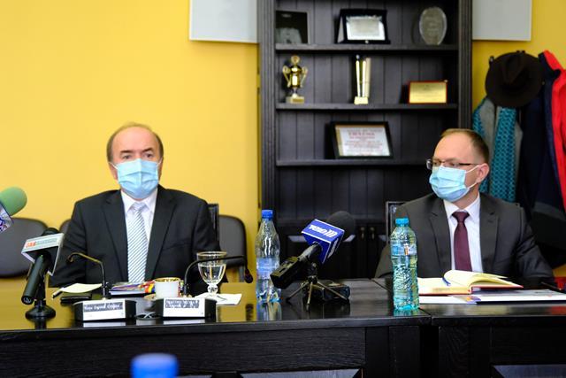 """Tudorel Toader, rectorul Universităţii """"Alexandru Ioan Cuza"""" anunță începerea demersurilor pentru autorizarea unei filiale la Botoșani"""