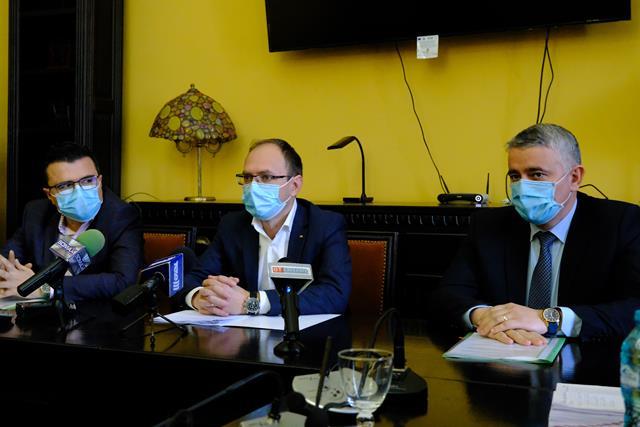 VIDEO/  Primarul Cosmin Andrei și-a prezentat, astăzi, echipa cu care va conduce Primăria în următorii 4 ani