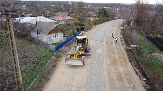 FOTO/ VIDEO   Lucrările de modernizare a drumurilor județene sunt în plină desfășurare. Peste 6,5 km de asfalt ce leagă localitățile Cotusca de Ghireni