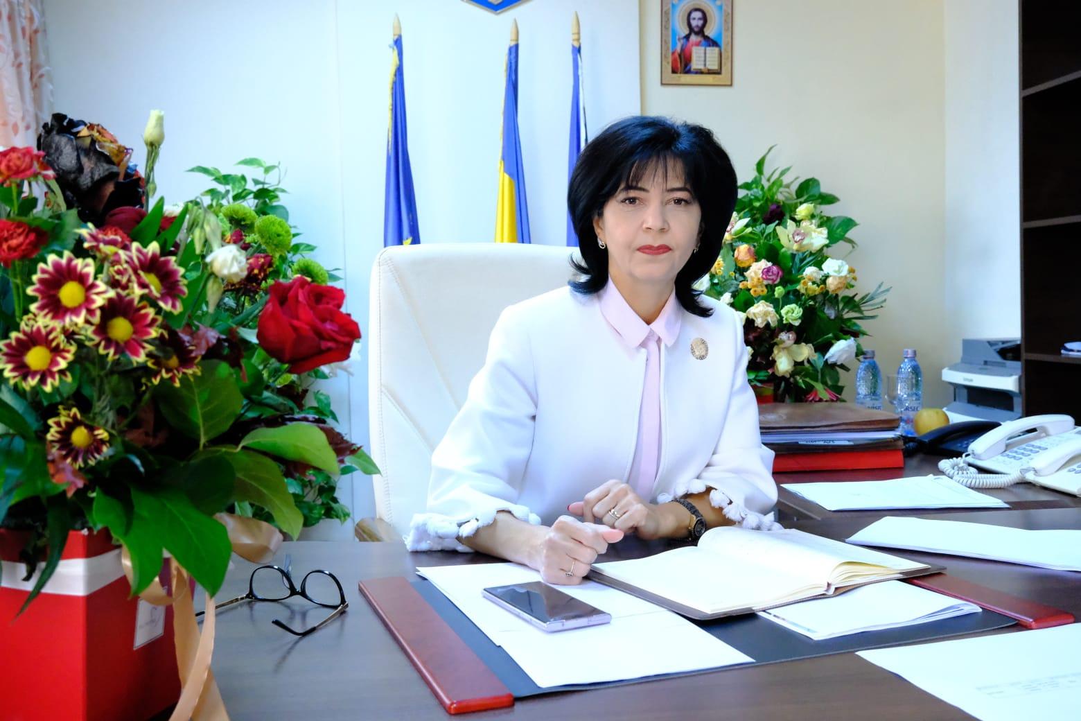 (P)   PNL după ce a batjocorit toți românii, vine cu programul de guvernare cu ZERO măsuri pentru sănătate, salvarea locurilor de muncă și antreprenorilor