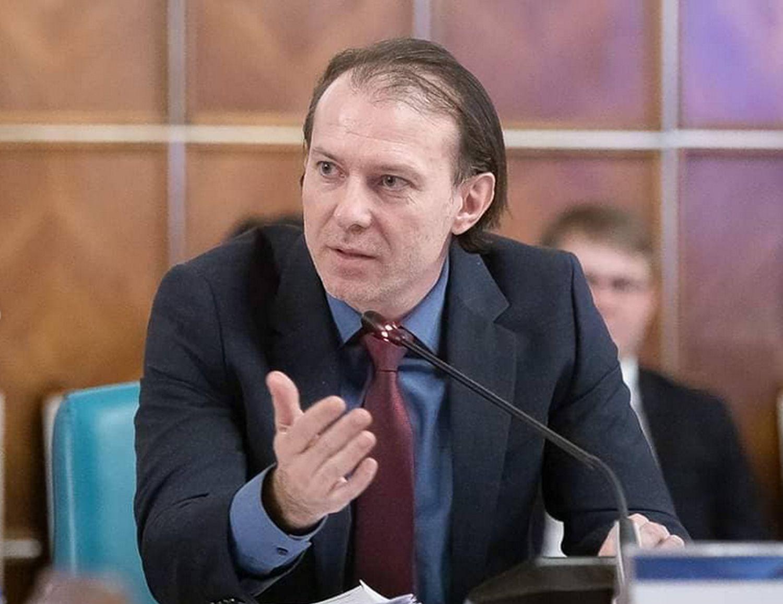 Guvernul Florin Cîțu îngheață și salariul minim pentru angajații cu studii superioare