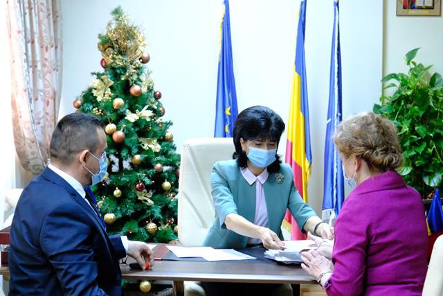 FOTO/VIDEO   Parteneriat de colaborare SEMNAT între 11 ONG-uri și Consiliul Județean Botoșani