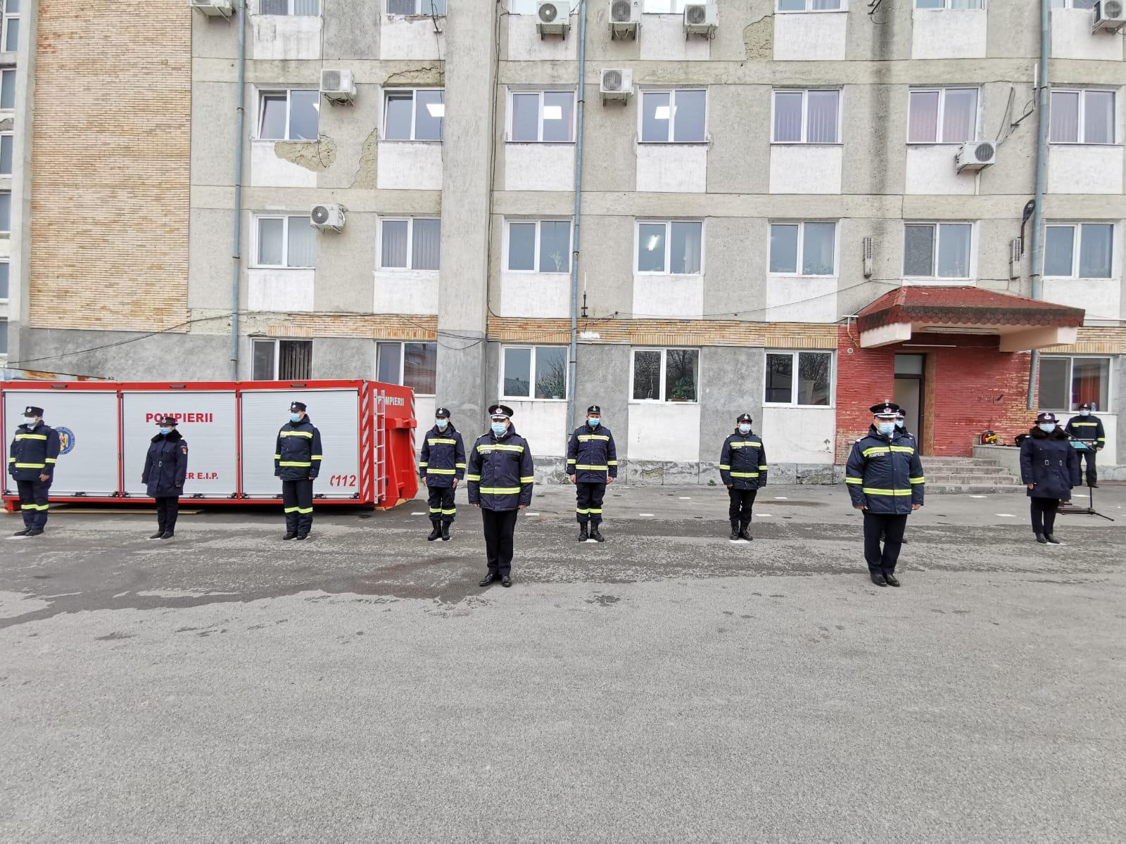 FOTO | Pompieri botoşăneni avansaţi în grad, de Ziua Naţională a României