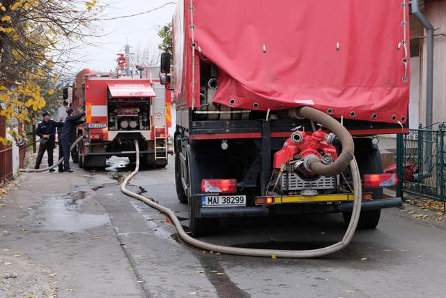 78 de misiuni în trei zile pentru pompierii botoșăneni