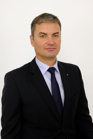 """Dan Șlincu: """"Guvernarea PNL-USR-UDMR, după ce a lăsat fără acces la educație zeci de mii de copii, a pus peste noapte politruci la conducerea unităților de învățământ"""""""