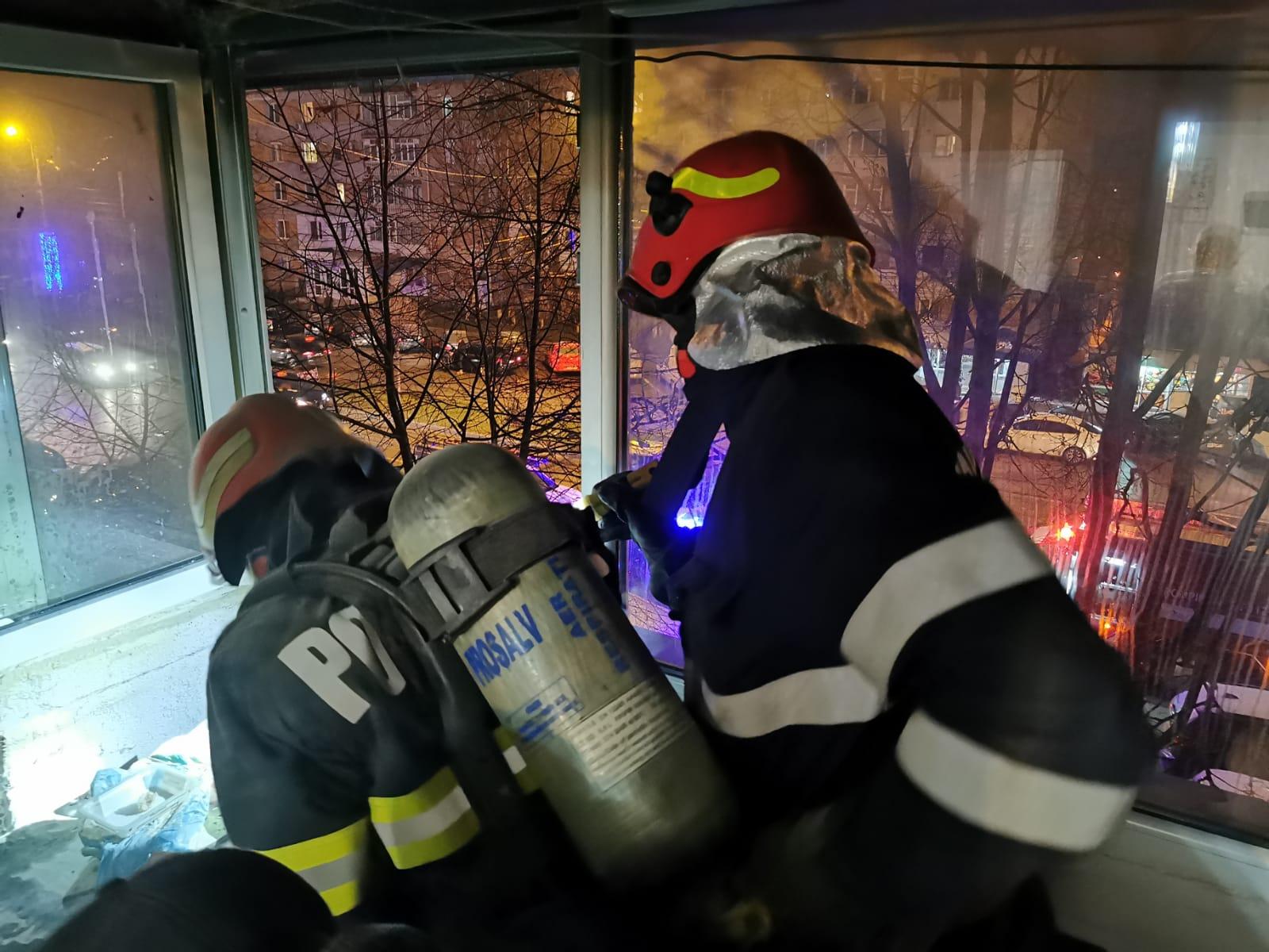 Panică într-un bloc de pe Calea Națională din municipiul Botoșani
