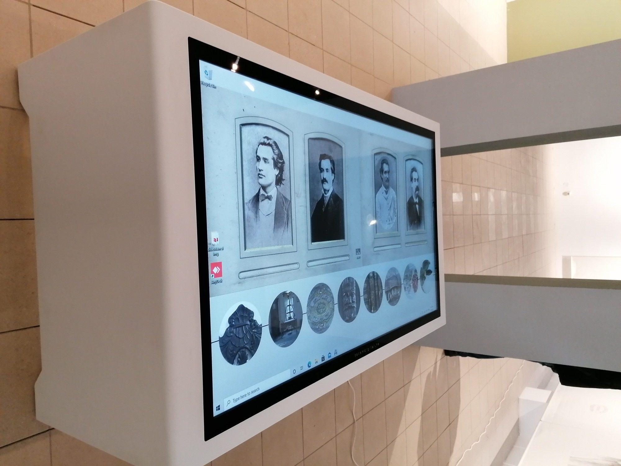Totemuri digitale la Memorialul Ipotești