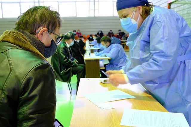 FOTO/   A doua etapă a campaniei de vaccinare anti-Covid a început astăzi dimineață și la Botoşani