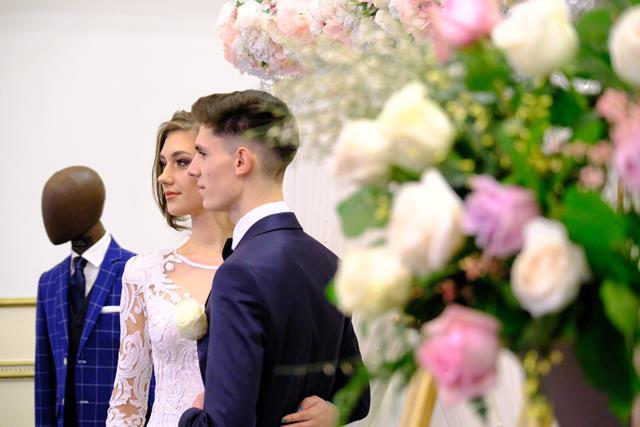 VIDEO/FOTO  Doar la Botosani! S-A DESCHIS primul târg ON LINE de nunți