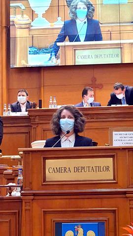 """VIDEO/FOTO   DEPUTAT ALEXANDRA HUȚU: """"Am rostit astăzi, în Plenul Camerei Deputaților, jurământul de credință față de țară și popor"""""""