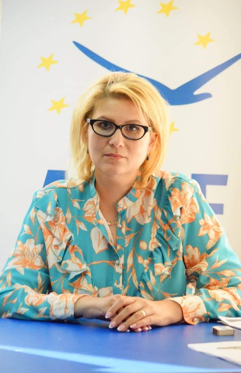"""Roxana Florentina Țurcanu: """"ALDE exclude intrarea în insovență a S.C. Nova Apaserv"""""""