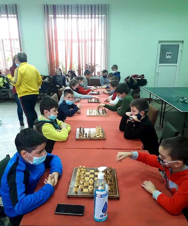 """GORBĂNEȘTI: Cupa """"Mărțișorul"""" la șah și tenis de masă a ajuns la ediția a-II-a"""
