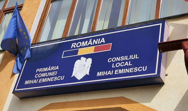Primăria comunei Mihai Eminescu distribuie pachetele cu alimente și produse de igienă persoanelor defavorizate