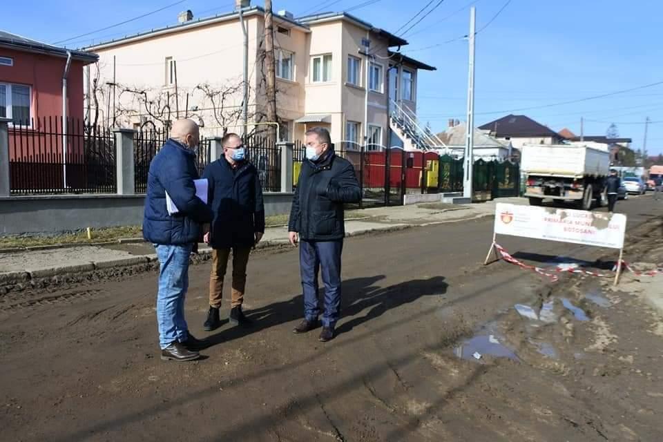 O nouă zi, un alt șantier!  Primarul Cosmin Andrei a vizitat azi șantierul de pe strada Iuliu Maniu