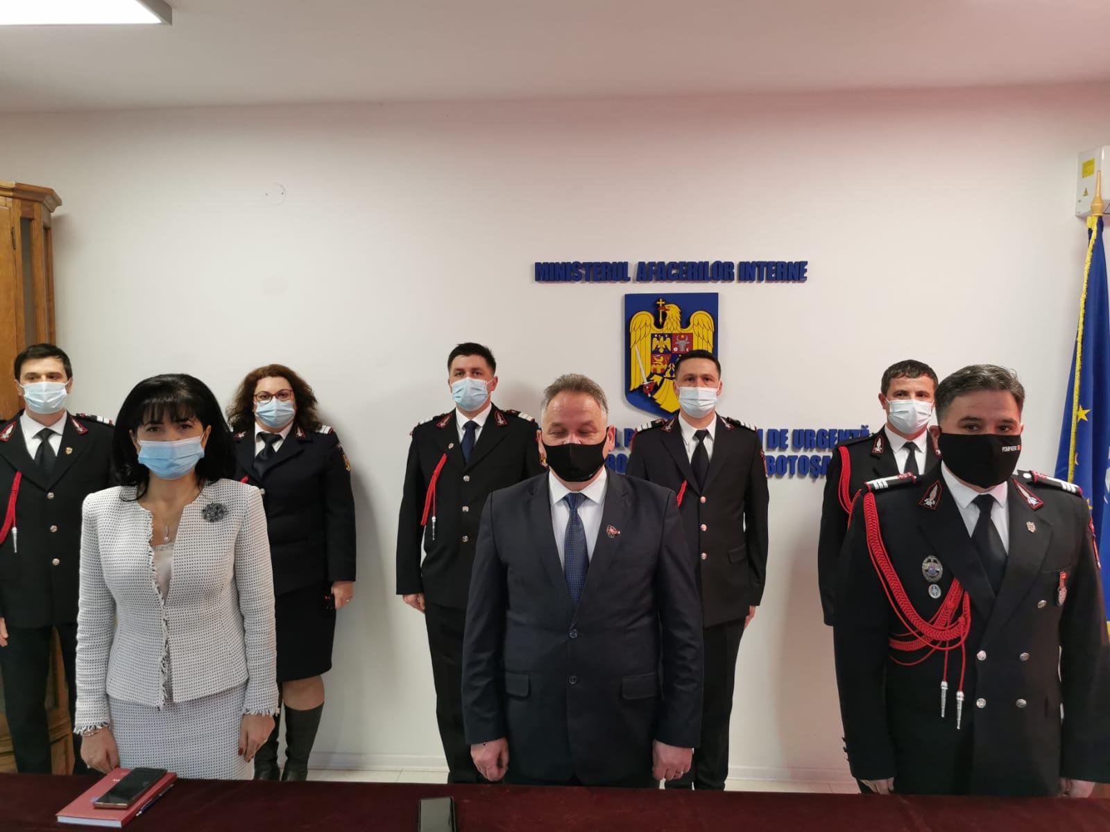 Pompieri botoşăneni avansaţi în grad, de Ziua Protecției Civile din România