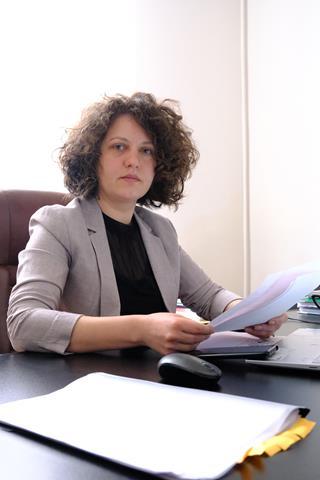 """ALEXANDRA HUȚU, deputat PSD: """"Domnule Sinistru al Sănătății…..nu vă e rușine să vă agățați atât de scaun după lunga serie de dezastre, gafe, scandaluri, conflicte, tragedii din mandatul dumneavoastră?"""""""