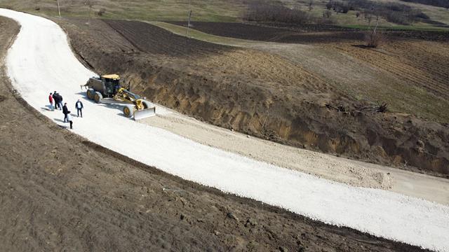 VIDEO/ FOTO Lucrările de modernizare a drumului DJ 293 Coțușca – Ghireni – DN 24C  au ajuns aproape de etapa asfaltării