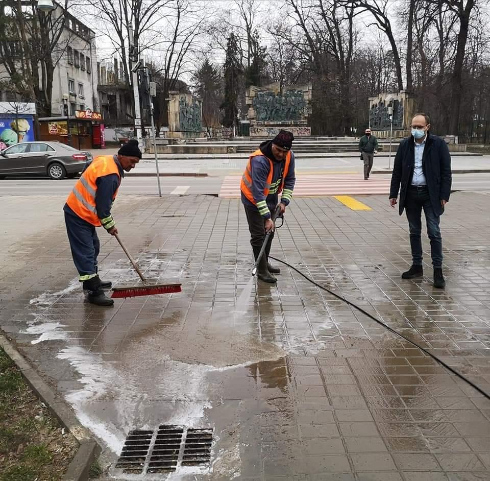"""COSMIN ANDREI, primarul municipiului Botoșani: """"  Botoșănenii merită un oraș curat, igienizat și asta mi-am propus să le ofer"""""""