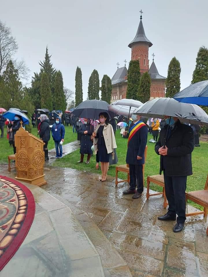 FOTO | Sfântul Gheorghe, patronul spiritual al municipiului Botoșani, sărbătorit la Mănăstirea Popăuți